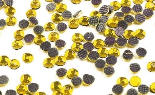 HOT FIX nažehlovací kamínky cca 80ks topaz