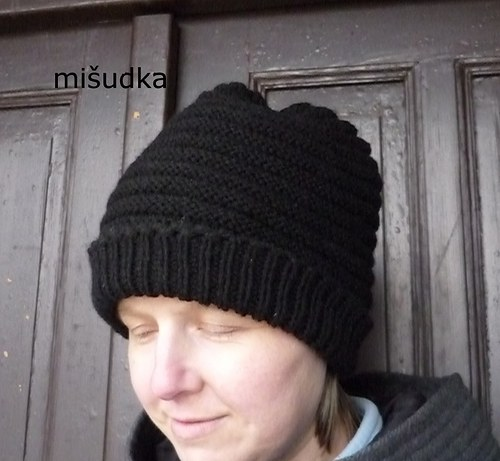 Čepice jako od maminky -černá vroubkovaná