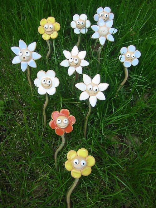 Zapichovací a kypřící květinky