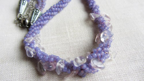 Náhrdelník-trochu fialové