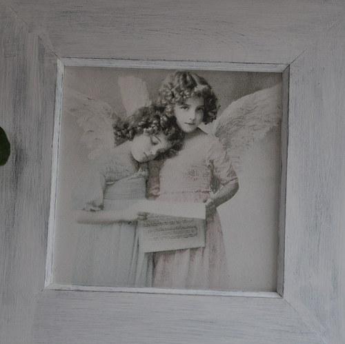Andělé čtou