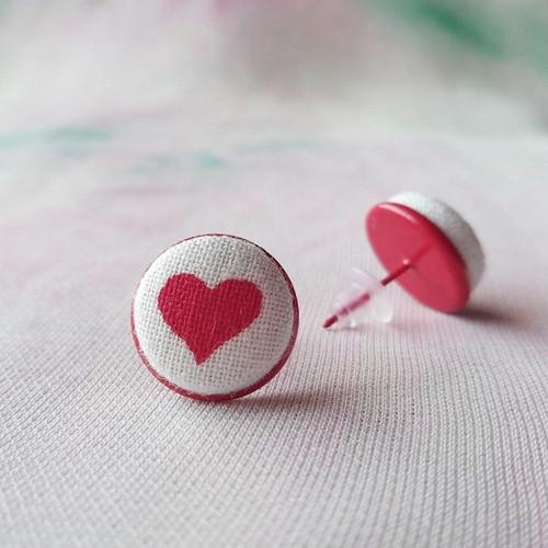 Náušnice buttonkové Červené srdce