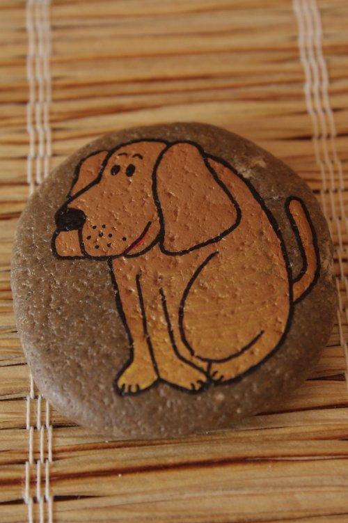 malovaný kámen - pejsek