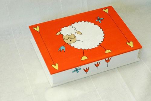 malovaná krabička s ovečkou