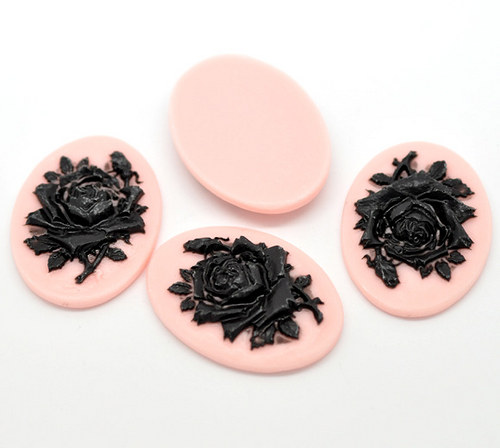 kamej růže černá na růžové/ 41x30mm/ 10ks