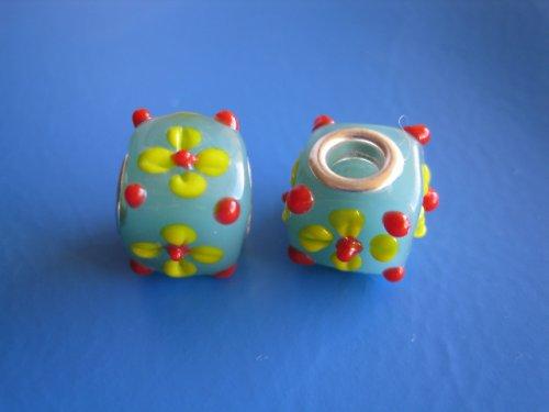 Skleněné korálky 2ks - kostka s kytičkou