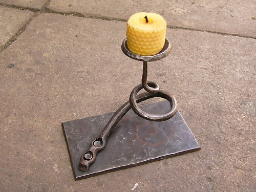 Kovaný svícen - spirála