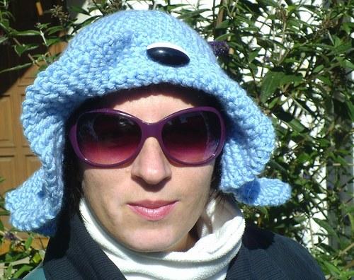 Háčkovaný modrý klobouček