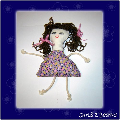 Malá hadrová panenka
