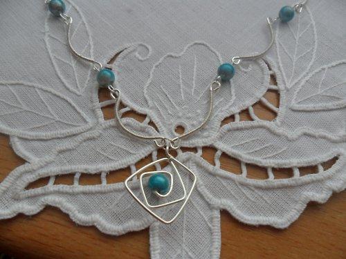 Jemný modro-stříbrný náhrdelník