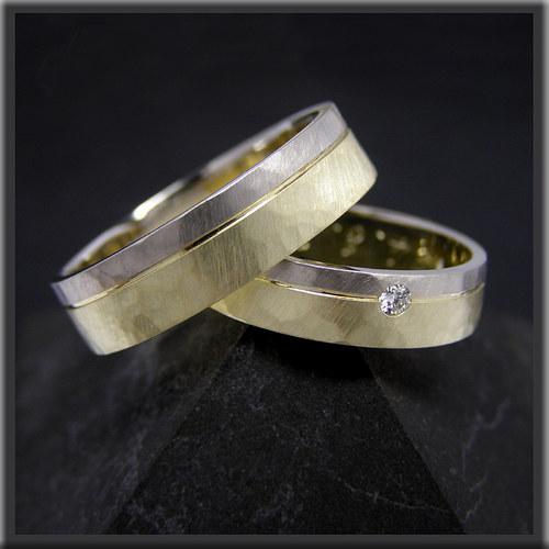 snubní prsteny, bílé a žluté zlato