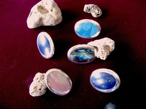 Ovalis - náušnice stříbrné s kamenem.