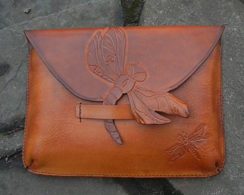 Kožená kabelka vážka