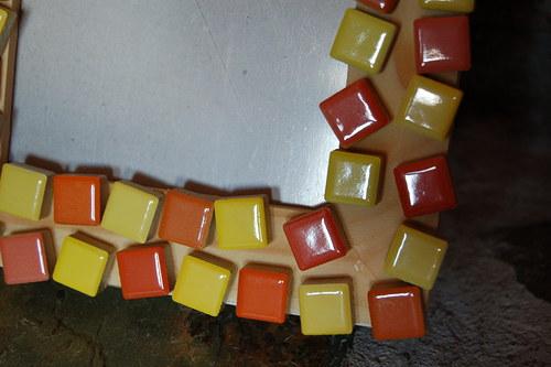 Žluto-oranžová