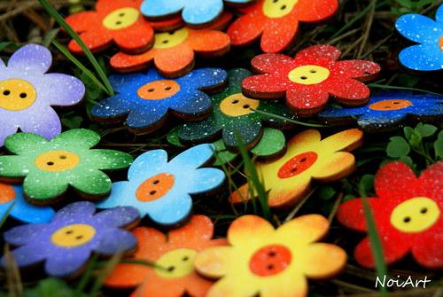 KNOFLÍČKY mnohofarebné kvetované