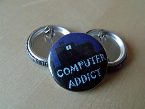 "Button \""Computer addict\"""