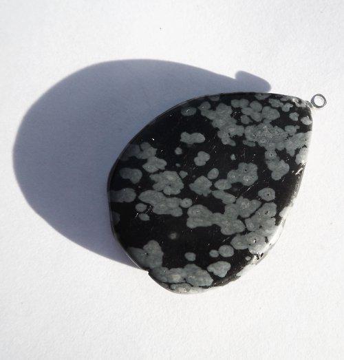 Přívěšek vločkového obsidiánu s očkem