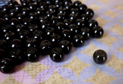 v19 / voskové perly černé / 6mm / 15ks
