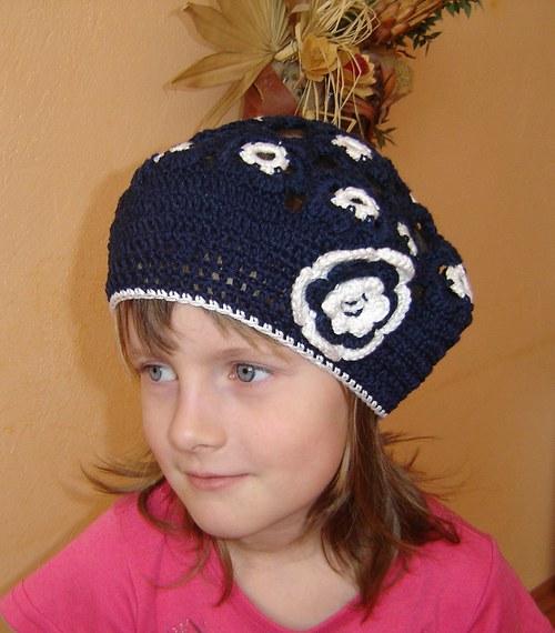květovaný baret - modrý