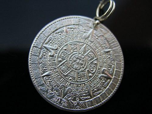 042-25 Medailon Aztécký kalendář s lodí Ag 925