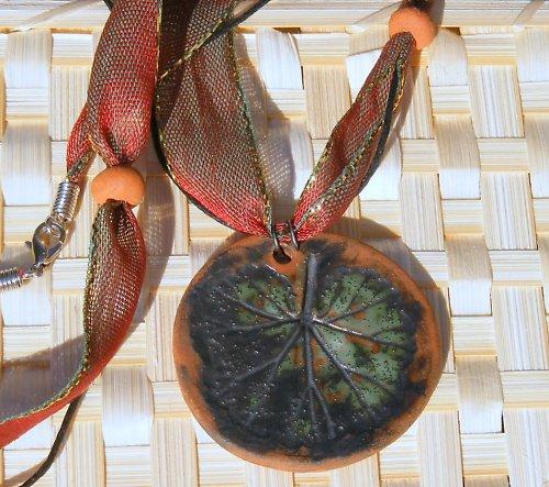 Fyto náhrdelník na taftové stuze