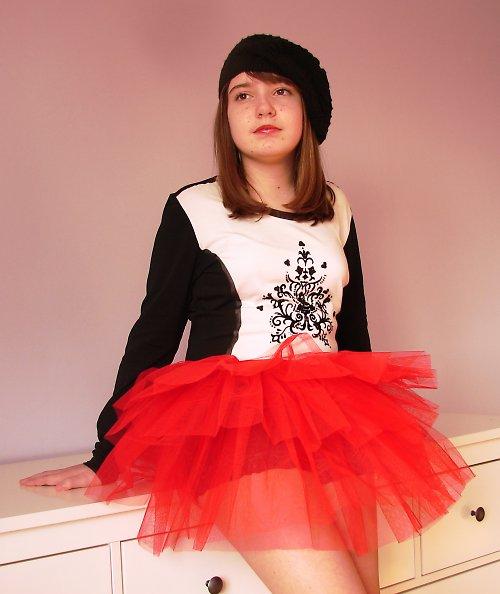 Tylová sukně červená (6-10 let)