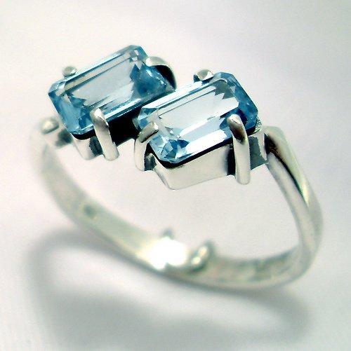 Prsten «Domino» - stříbro 925, modrý topaz