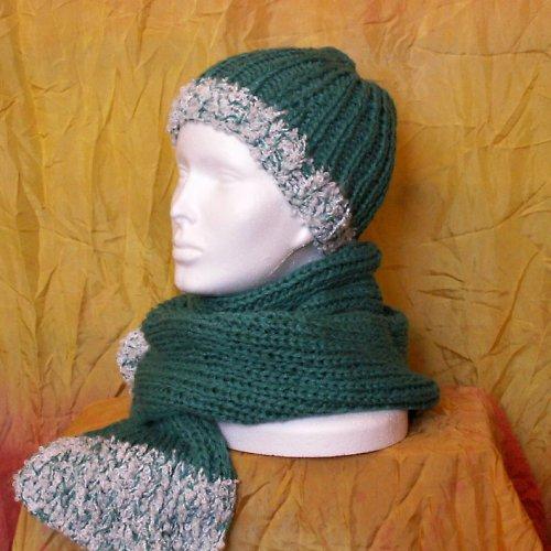 pletená souprava - čepice a šála - zelená s bílou