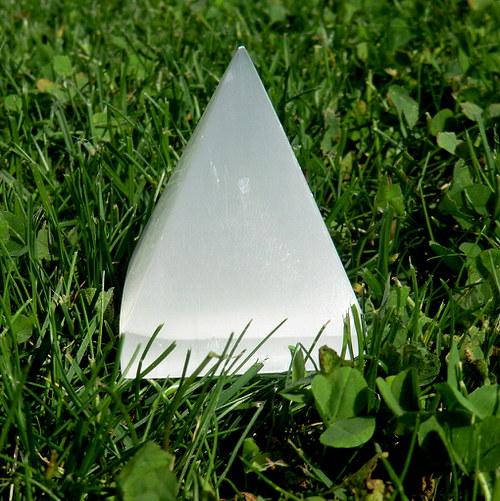 Selenitová pyramida -  střední