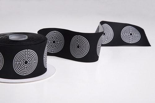 Stuha Černobílé labyrinty
