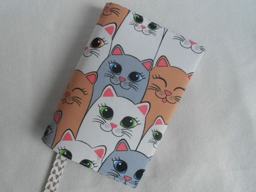 univerzální obal na knihu - kočičí sněm