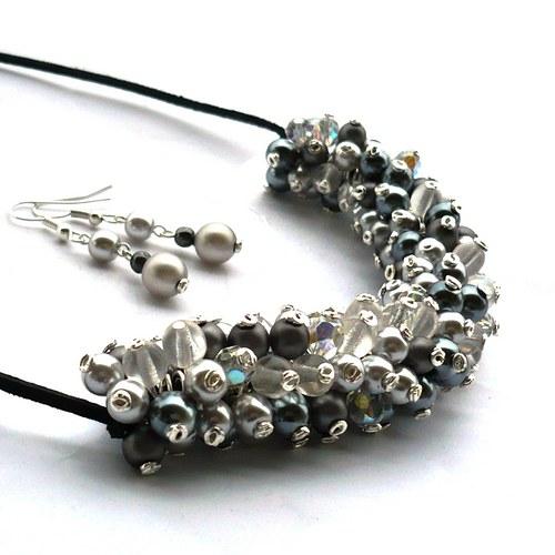Šedavý náhrdelník s náušnicemi