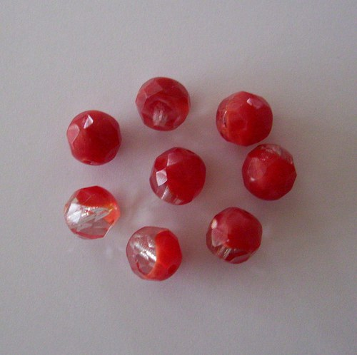 Skleněné broušené korálky - červeno-krystalové