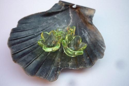 akrylové květiny 4 ks- světle zelené
