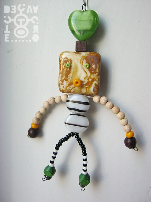 Korálkový robot, model 07-04 (Mistr Píp)