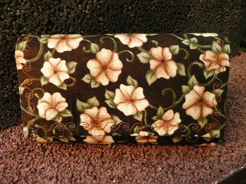 Květovaná peněženka