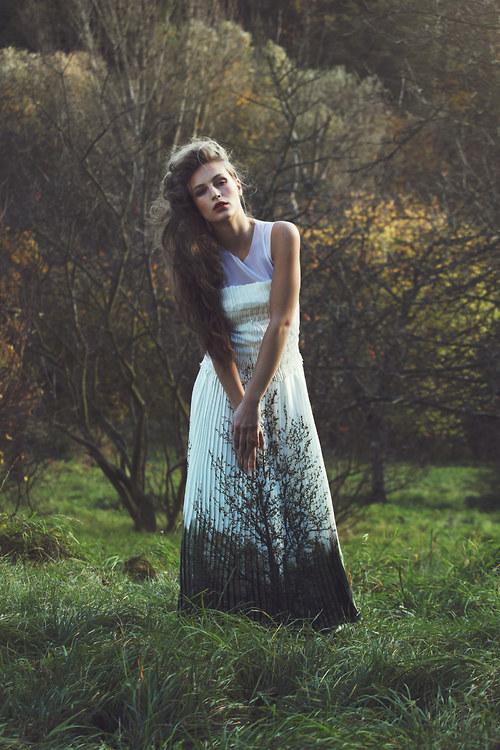 MOJE šaty bílé plisé No.3