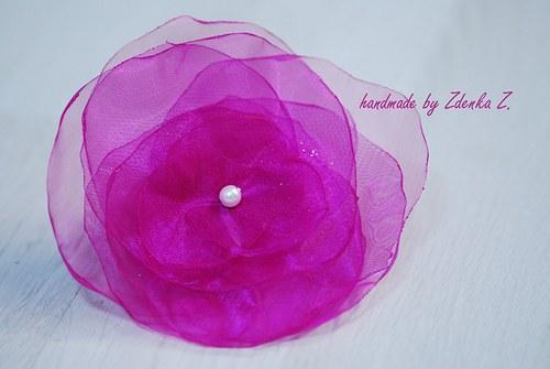 Růžová brož
