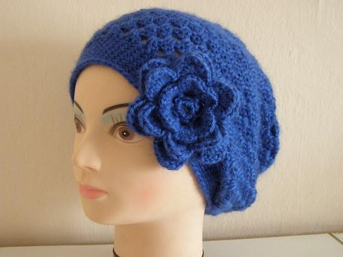 Baskický baret - královská modř, mohérový