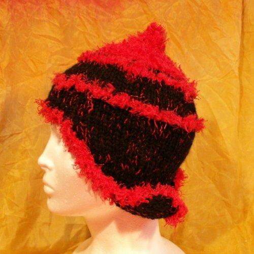 čepice pletená černo červená