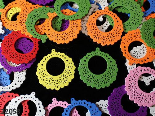 22058 Dřevěné zdobené kruhy 52/49mm! MIX, bal.3ks