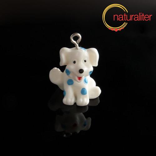 Výprodej - Bílý pes s modrými flíčky - přívěsek