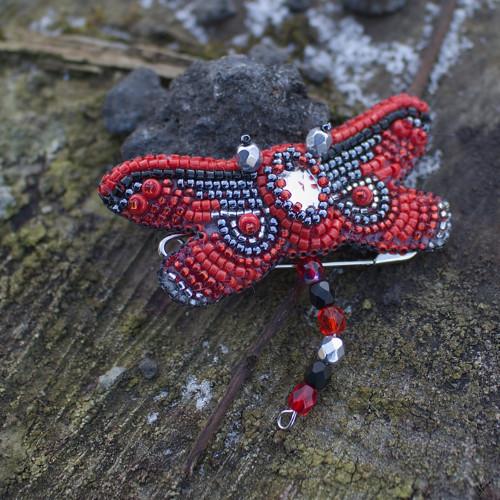 Vážka v červenočerné... brož