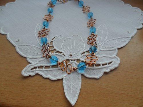 SLEVA Modrá vlnka - náhrdelník