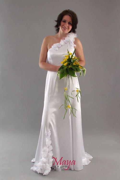 Svatební šaty s růžemi SLEVA