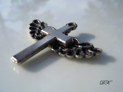 prívesok - krížik 1