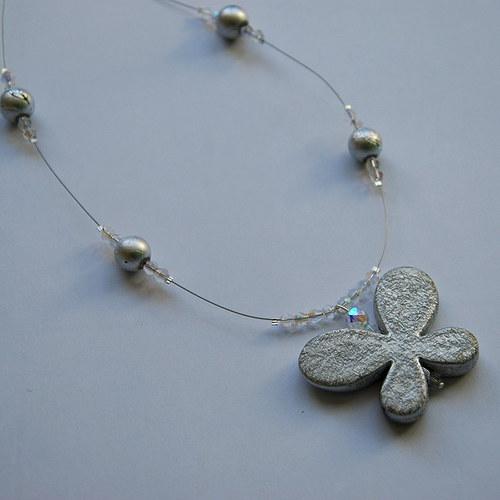 Náhrdelník se stříbrným motýlkem 1verze