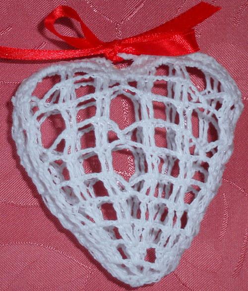 Bílé trojrozměrné srdce menší I.