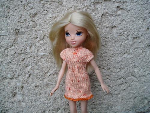 Oranž. šaty pro panenku Girlz, Bratz