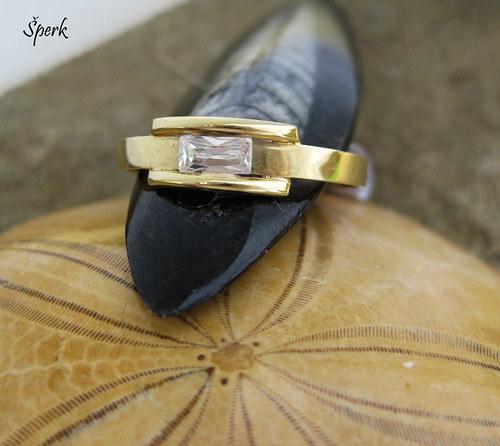 Zlatý prsten - zirkon